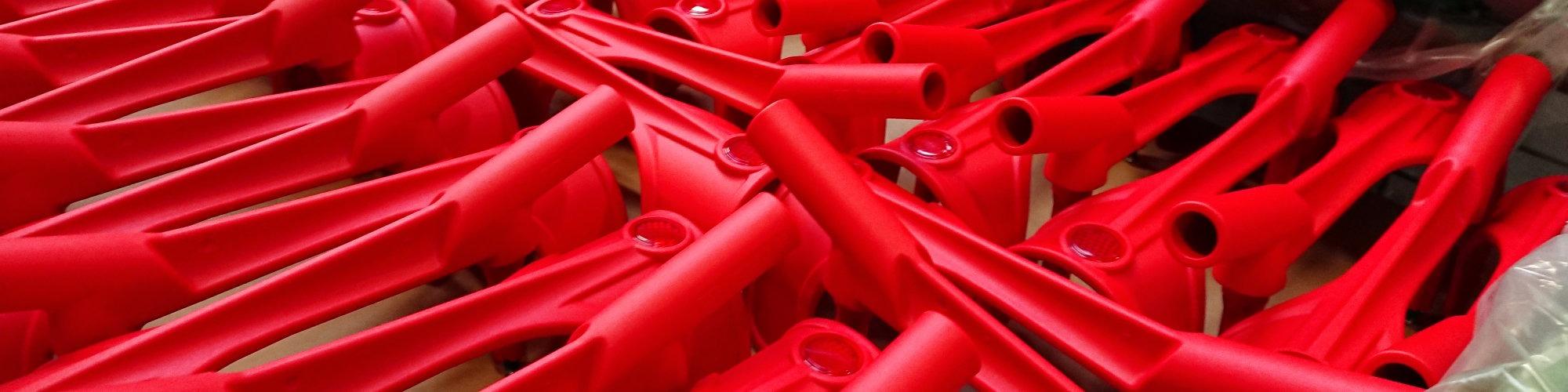 Foto mit roten Gehhilfen